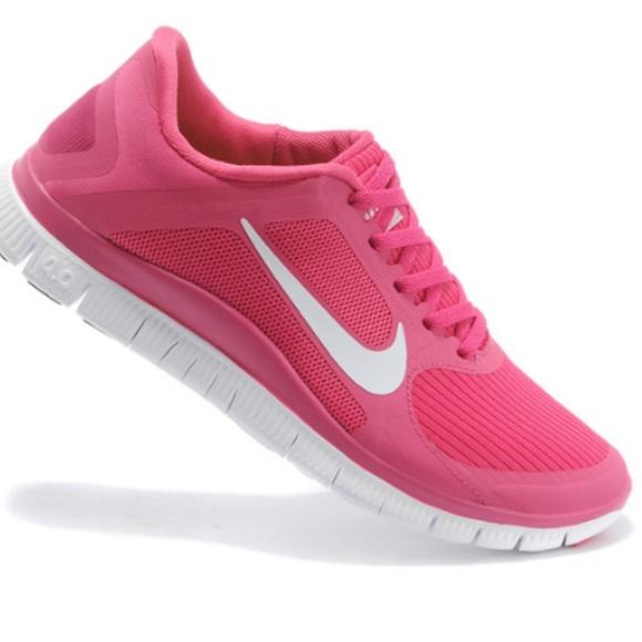 brand new 266b2 5f035 Nike Pink Free 4.0 V3 Running Shoes 10. M 5c3b6cbfbb761538dffb40fe